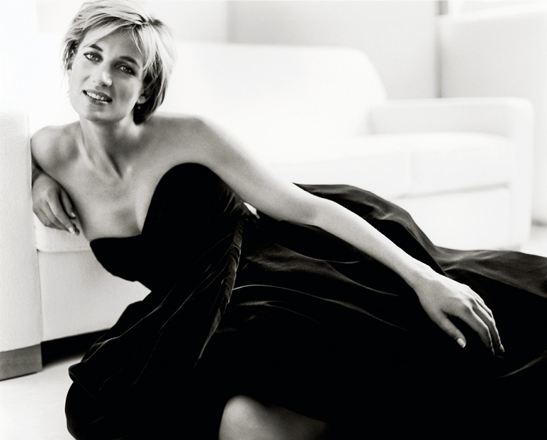 diana-princess-of-wales-by-mario-testino-at-kensington-palace