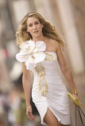 vestido-flor-carrie-bradshaw