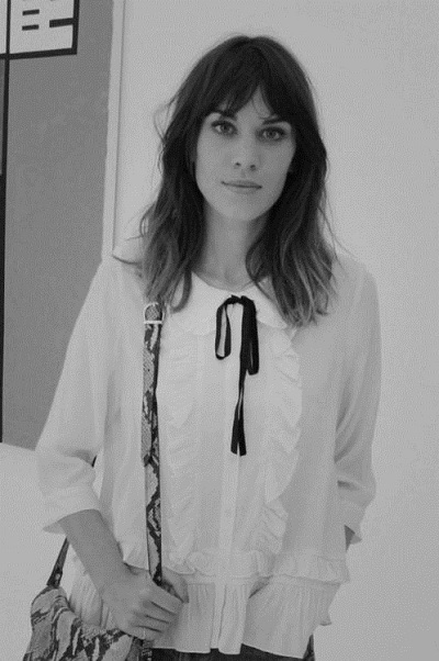 how-to-wear-white-shirts-alexa-chung 02