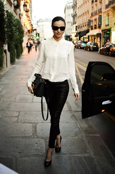 miranda-kerr-con-camisa-blanca 04