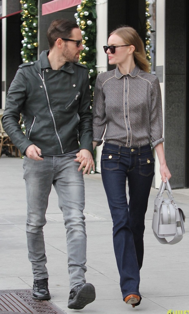 michael-polish-kate-bosworth-with-a-motorcycle-is-perfection-01
