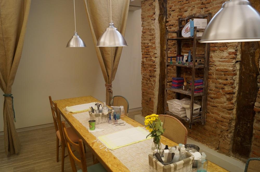 Sitios baratos para hacer la manicura en Madrid