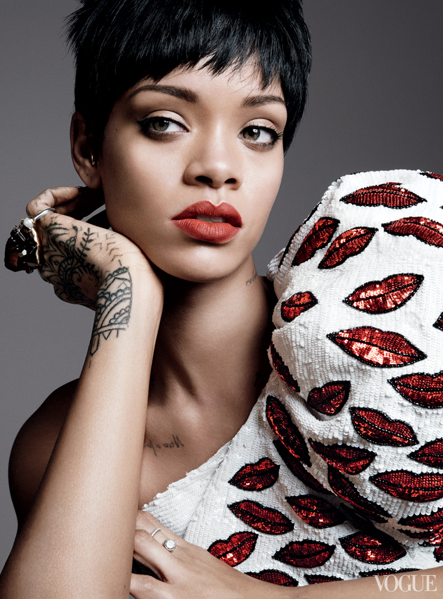 rihanna-vogue-cover-01
