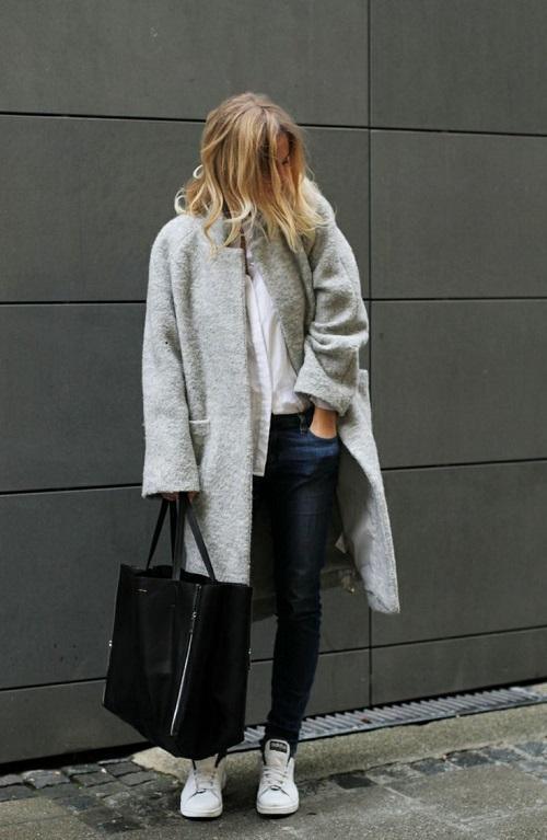 en-zapatillas-blancas