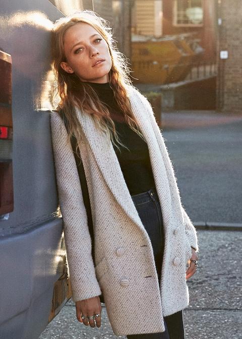 abrigo-gris-sezane